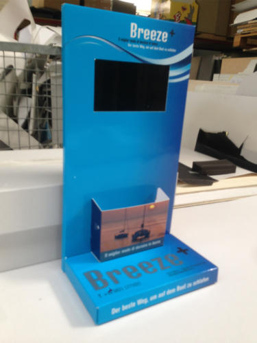 video espositore da banco breeze con porta depliant